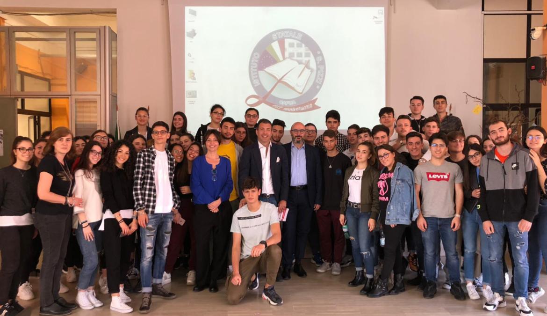 """Il giornalismo oggi, Luigi Ferraiuolo al Liceo """"Salvatore Pizzi"""" di Capua"""