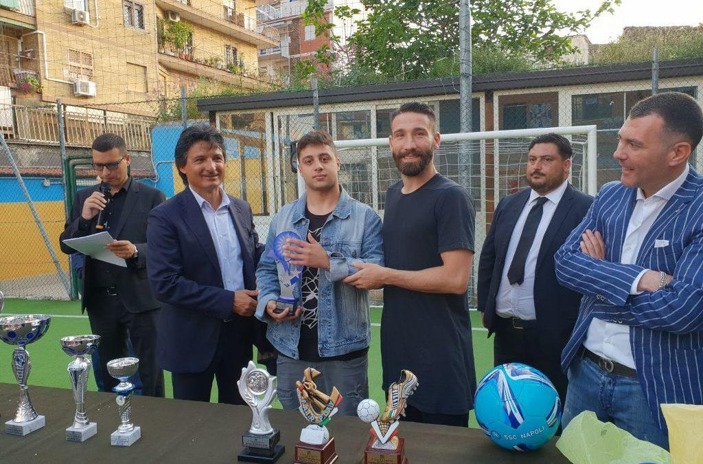 Un torneo di calcio per sconfiggere le baby gang, i vincitori premiati da Tonelli